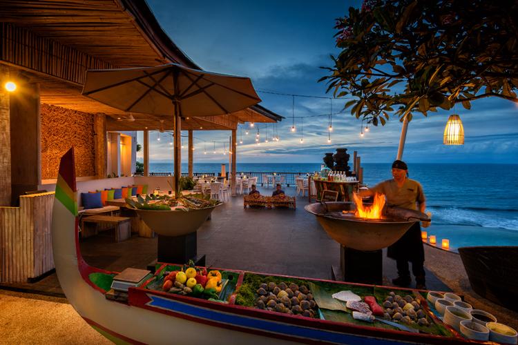 Anantara Uluwatu Bali Resort H1 sunset BBQ